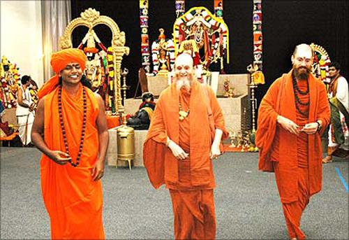 Paramahamsa Nithyananda, Satguru Bodhinatha Veylanswami and Swami