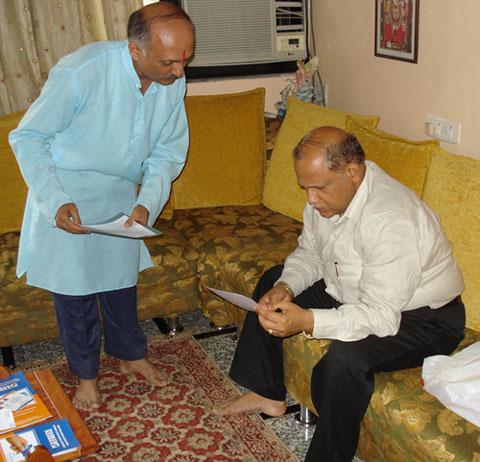 HJS's Dr. Solanki (left) submitting representation to Goa CM Shri. Digamber Kamat