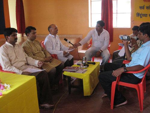 Press Conference: From left Shri. Jayesh Thali, Shri. Ramesh Shinde and Dr. Manoj Solanki