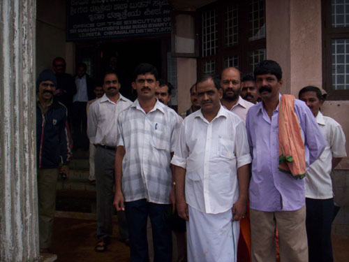 HJS members led by Sri.Rajesh 1st from left(1st row)