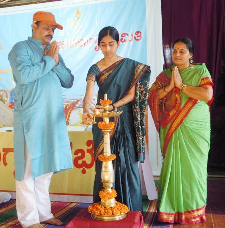 Inauguration of Hindu Dharmajagruti Sabha by lghting a Samai (an oil lamp)