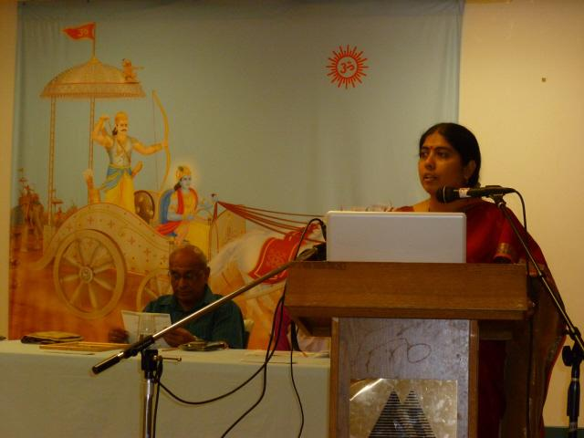 Mrs. Shilpa Kudtarkar of SSRF addressing in the Hinduism Summit