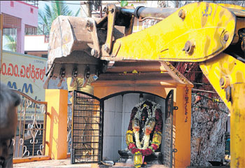 87 temples demolished in Mysore