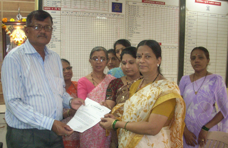 HJS members submitting memorandum against malpractices during Holi