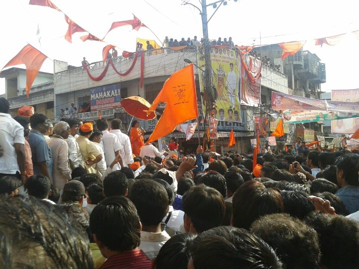 Sadhvi Prachi devi addressing to the Hindus during Shobhayatra