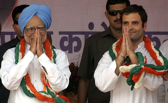 PM Manmohan Singh & Rahul Gandhi addressing a campaign rally in UP