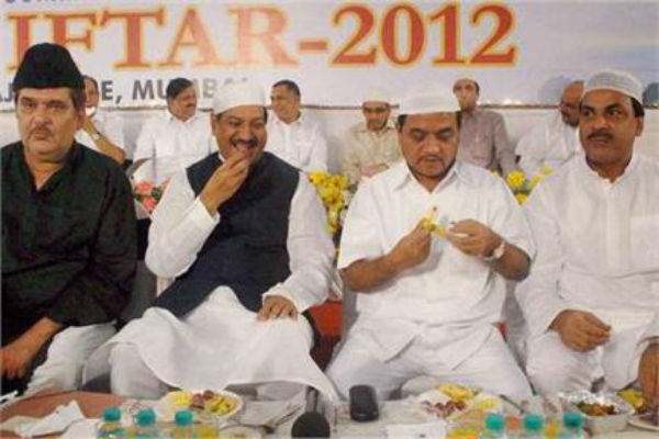 Maharashtra CM and Home minister in a Iftar Party organised by Mumbai Police