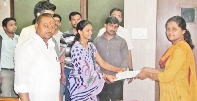 HJS members while submitting memorandum to district collector