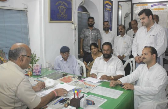 Panvel : Devout Hindus filed complaint against Dr. Zakir Naik for insulting Shri Ganesh