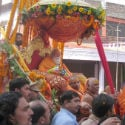 Grand procession to welcome Shankaracharya Swami Swarupananda in 'Kumbh Mela' !