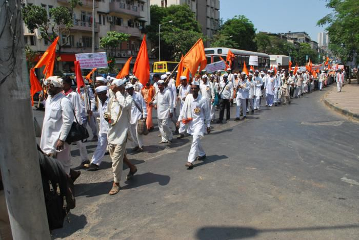 Huge 'Dindi' march of 7,000 Hindus against (fake) Anti