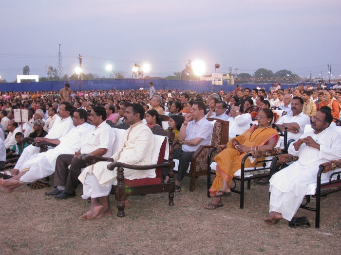 More than 5000 devout Hindus attended the mammoth Dharmasabha at Madkai, Goa
