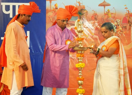 (From Left) Shri. Sandip Apshingekar, Shri. Manoj Khadye and Pujya Kum. Swati Khadye