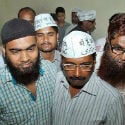'Maulana' Kejriwal ! Now, AAP leader's cap showcases 'Main hoon aam admi' in Urdu