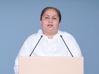 पूज्यपाद संतश्री आसारामजी बापू का 'मीडिया ट्रायल' कर उन्हें झूठा तथा दोषी सिद्ध किया गया ! – साध्वी रेखा बहनजी