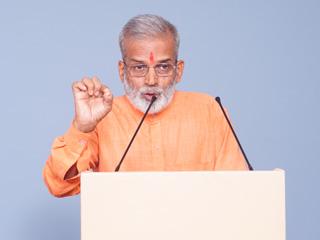 धर्मकार्य करते समय आनेवाली बाधाएं दूर करनेके लिए साधना बढाना अत्यावश्यक ! – त्रिदंडी स्वामी श्री चैतन्यदास भारती महाराज