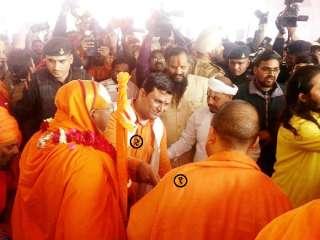 सनातन संस्था के प्रवक्ता ने कुंभमेले में ली उत्तर प्रदेश के मुख्यमंत्री योगी आदित्यनाथजी से भेंट !