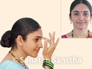 What is the benefit of applying kumkum than a bindi? - Hindu