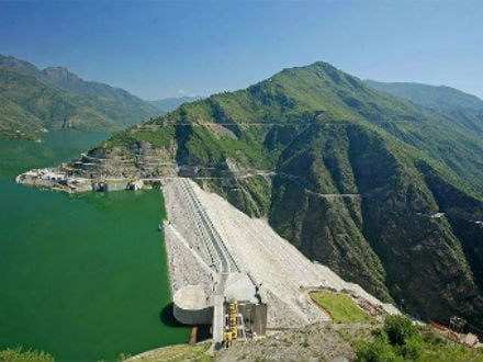 Tehri dam keeping as it is . . .