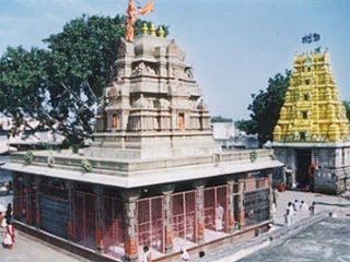 gangapur_temple_inside_320