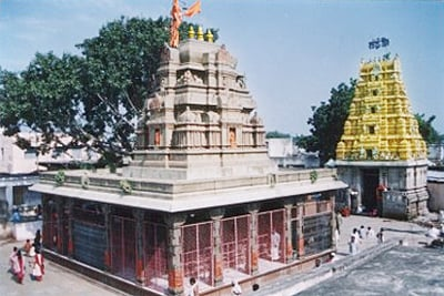 gangapur_temple_inside_400
