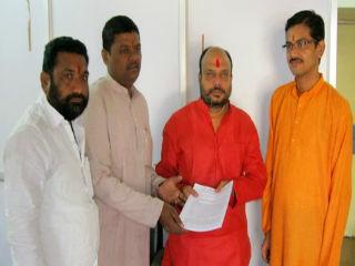 Shri. Ghanavat and Shri. Pansare of HJS met Shri. Patil at Amadar Niwas in Nagpur