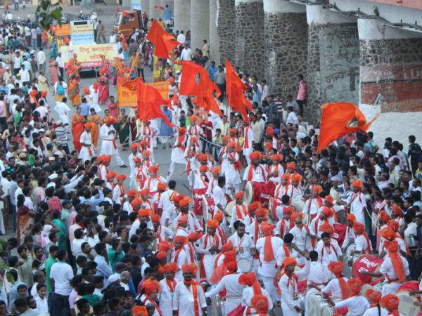 Huge float reminding of glorious traditions of Hindu Dharma