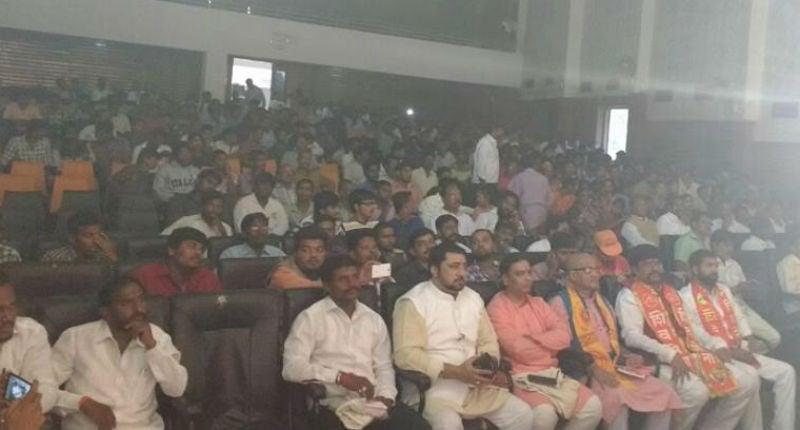 Karnool (AP) : Devout Hindus attending the rally