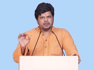 Provided jobs to Hindus from vagrant gypsy community to make them independent : Advocate Akshay Gosavi